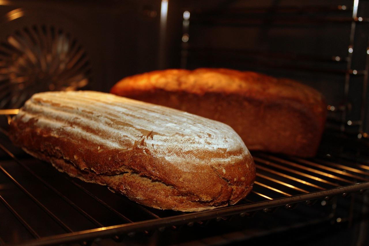 パンをふっくら焼けるオーブントースター HITACHI HMO-F100